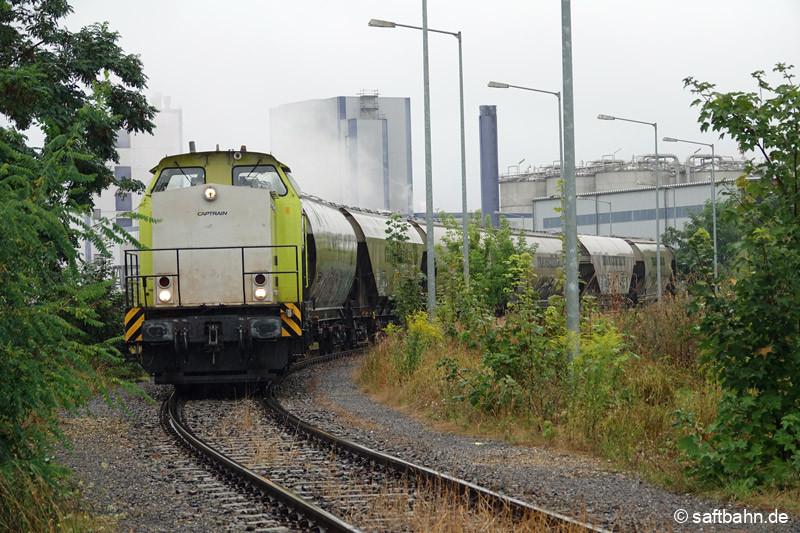 Lok V141 im Werksgleis des Verbio-Werkes, im Rahmen der Leerwagenabholung.