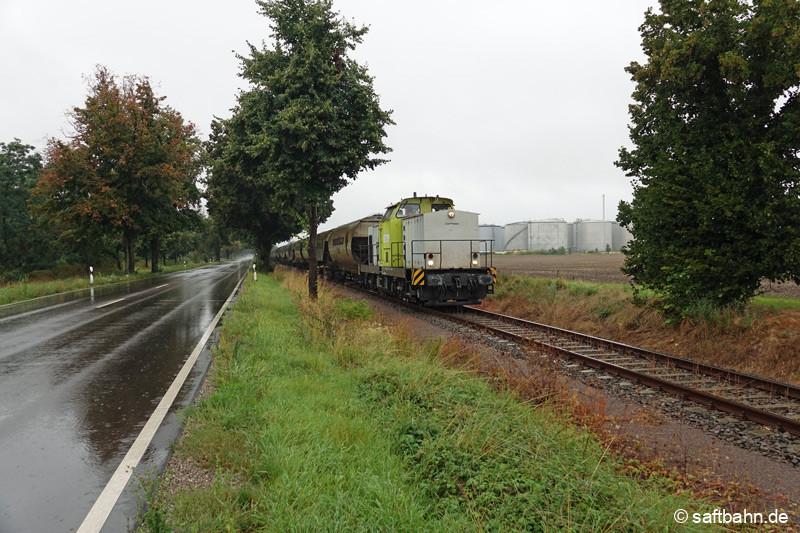 Leergetreidezug bei Zörbig auf dem Rückweg nach Bitterfeld Nord.