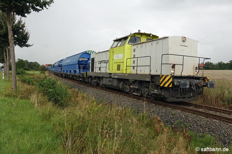 29.08.2021 | V141 erreicht mit ihrem polnischen Getreidewagen die Ortschaft Heideloh.