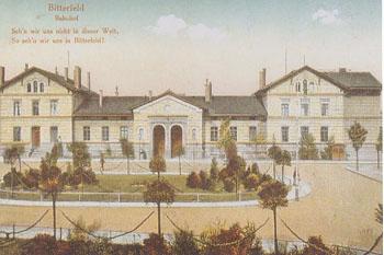 Vorplatz des Bitterfelder Bahnhofes um 1918