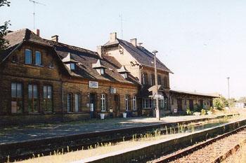Der Bahnhof Zörbig steht zum Verkauf. Eine Gaststätte und mehrere Wohnräume könnten bezogen werden.