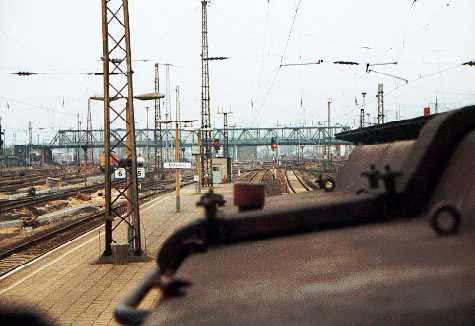 Abfahrt Bitterfeld, vom Bahnsteig 5.