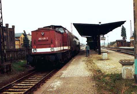 Ankunft der RegionalBahn in Stumsdorf.