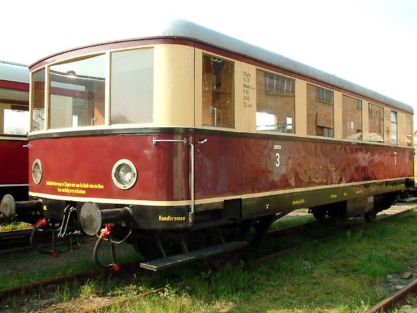 Der kleine Beiwagen wird gern für Sonderfahrten genutzt und bietet Platz für ca. 30 Fahrgäste.