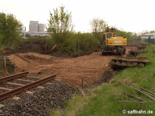 Mit dem 30. April 2005 schritten auch die Arbeiten an der Gleisbaustelle am Bahnkilometer 14,2 in Zörbig voran.
