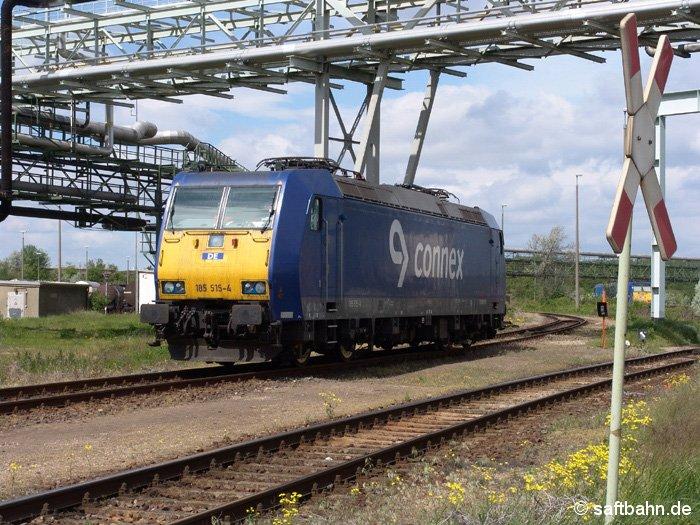 Warten auf den nächsten Einsatz: 185 514-4 der Connex (Dortmunder Eisenbahn) in Bitterfeld Nord am 21.05.2006.