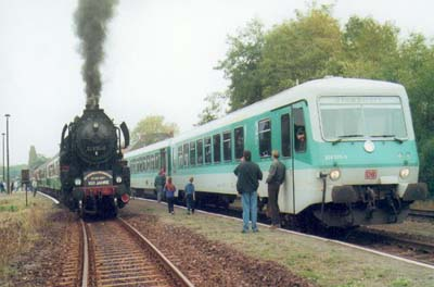 Die Deutsche Bahn AG bot zum Streckengeburtstag, Dampfsonderfahrten auf der Strecke an. Das Angebot wurde von der Bevölkerung begeisternd entgegen genommen.