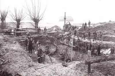 Brückenbau über den Strengbach in Zörbig