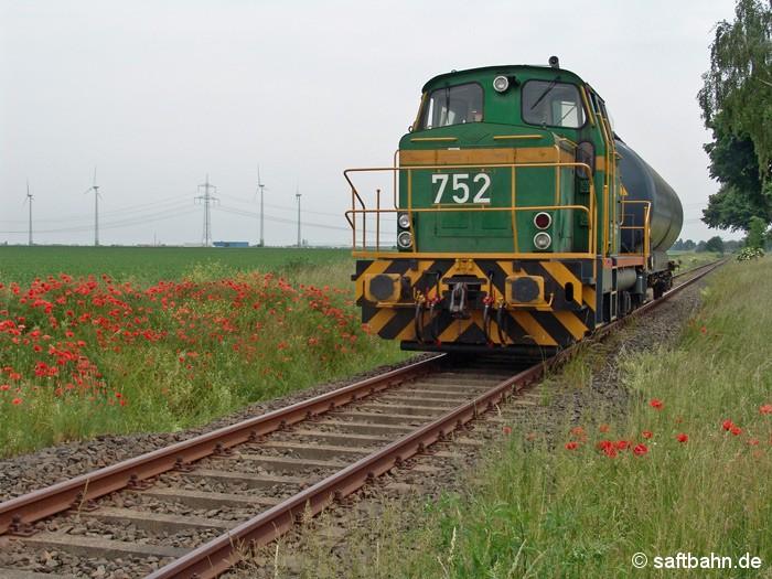 Ein Leerkesselwagen brachte Lok DE 752 am Mittag des 14.06.2006 nach Zörbig; und damit rechtzeitig vor dem Fussball-WM Spiel Deutschland gegen Polen.